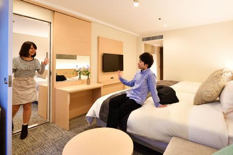 リニューアルツインルーム/コネクティングルーム 室内の扉から行き来できる2部屋並びのお部屋